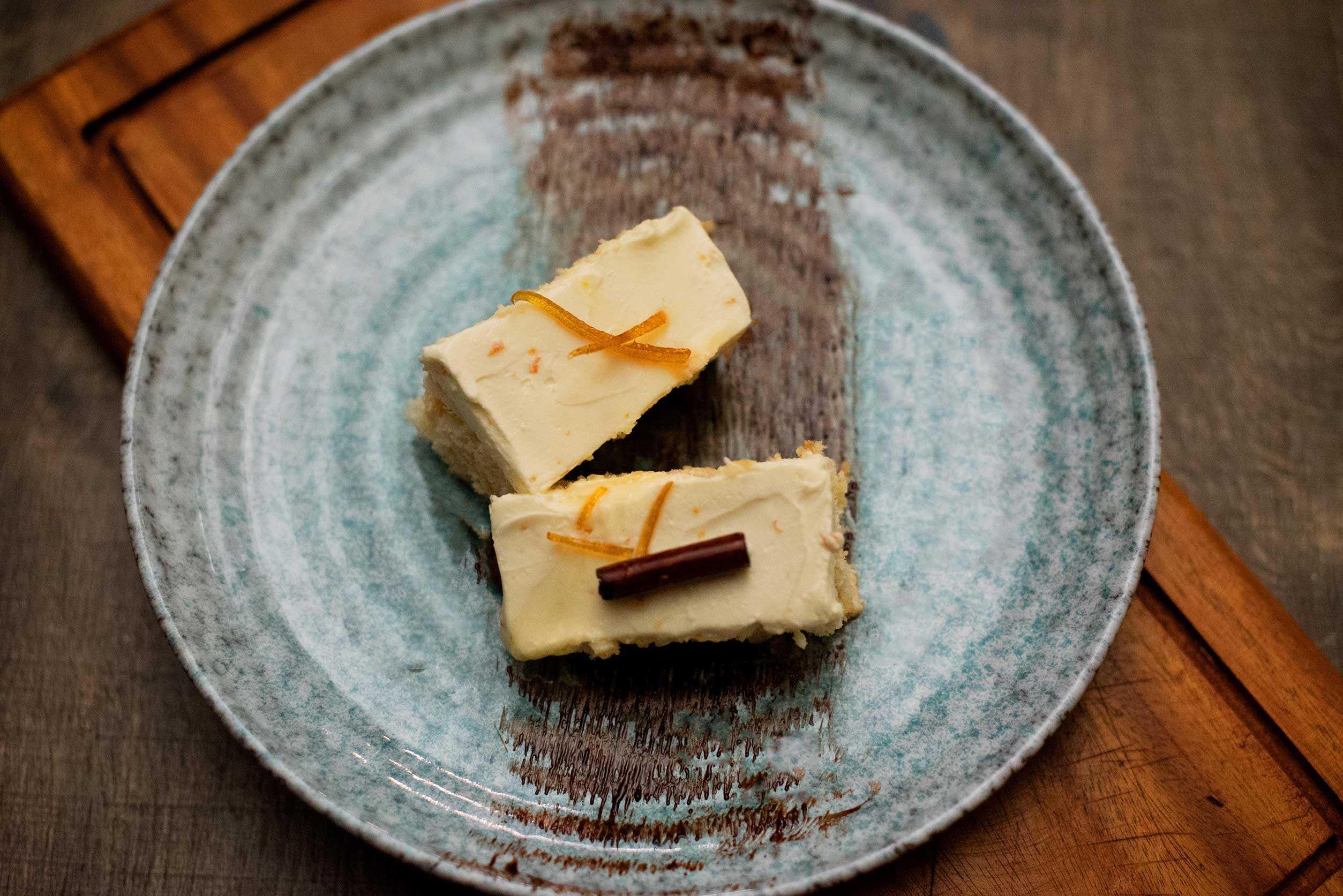 A classic tiramisu with a tangy twist filled covered in mascarpone cream and savoiardi.
